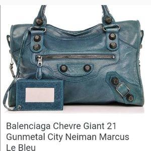 💙SALE💙Balanciaga chevre giant 21 gunmetal bag